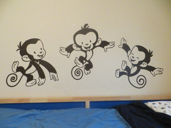 too many monkey at cozywallart.com