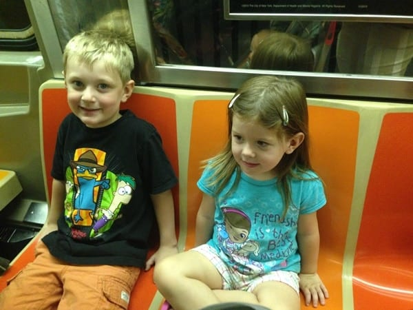 kids-on-subway