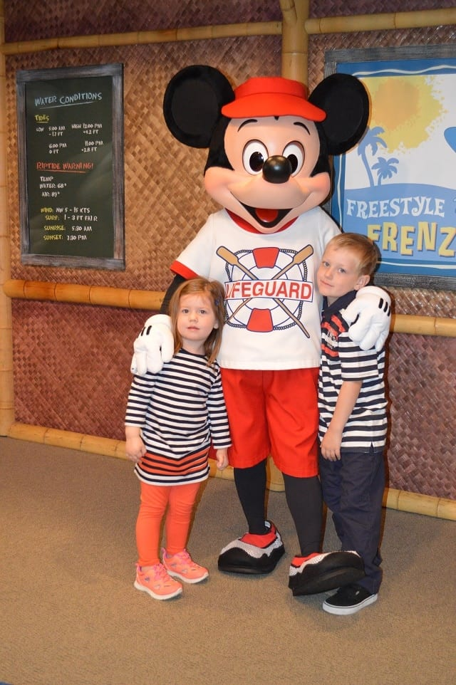 kids-with-mickey