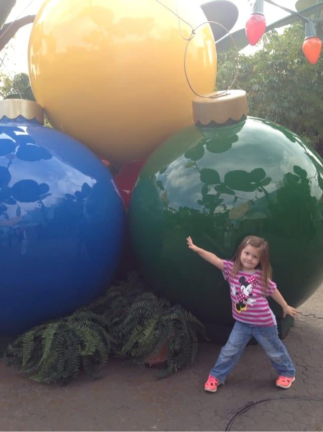 big-christmas-balls.jpg