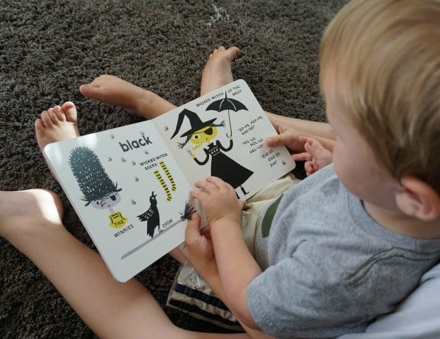 brothers-reading-wizard-of-oz