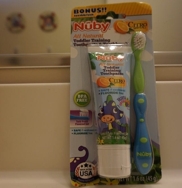 nuby-toddler-tooth-paste-set