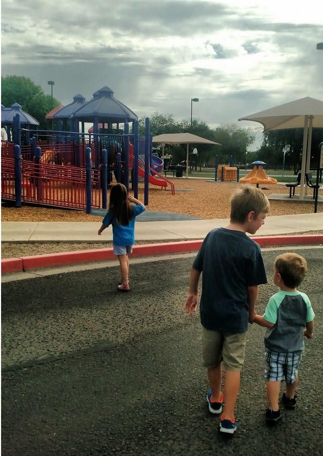 kids-walking-to-playground