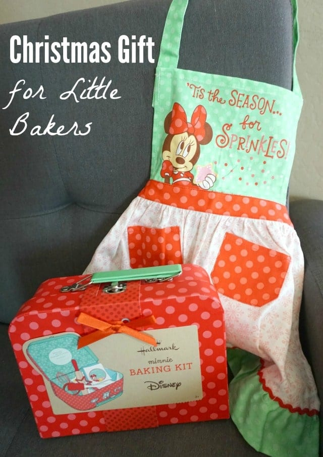 If you have a little baker, this cute baking set and apron would make a perfect gift!
