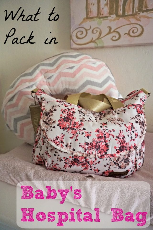 Find out what you need (and don't need) when packing your baby's hospital bag! #WaterWipesMom #IC (ad)