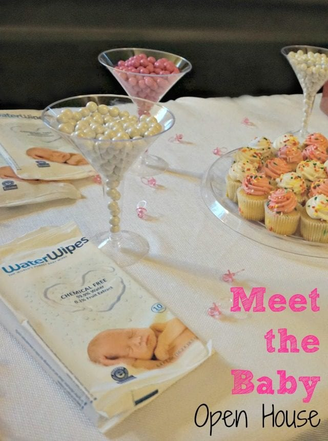 """How to plan a sweet and simple """"Meet the Baby"""" Open House! #WaterWipesMom #IC @waterwipesusa (ad)"""